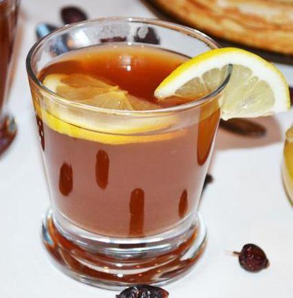Чай с шиповником и лимоном